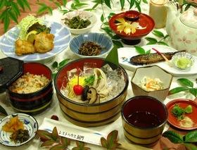中津からあげと蕎麦ソーメン(6~9月)